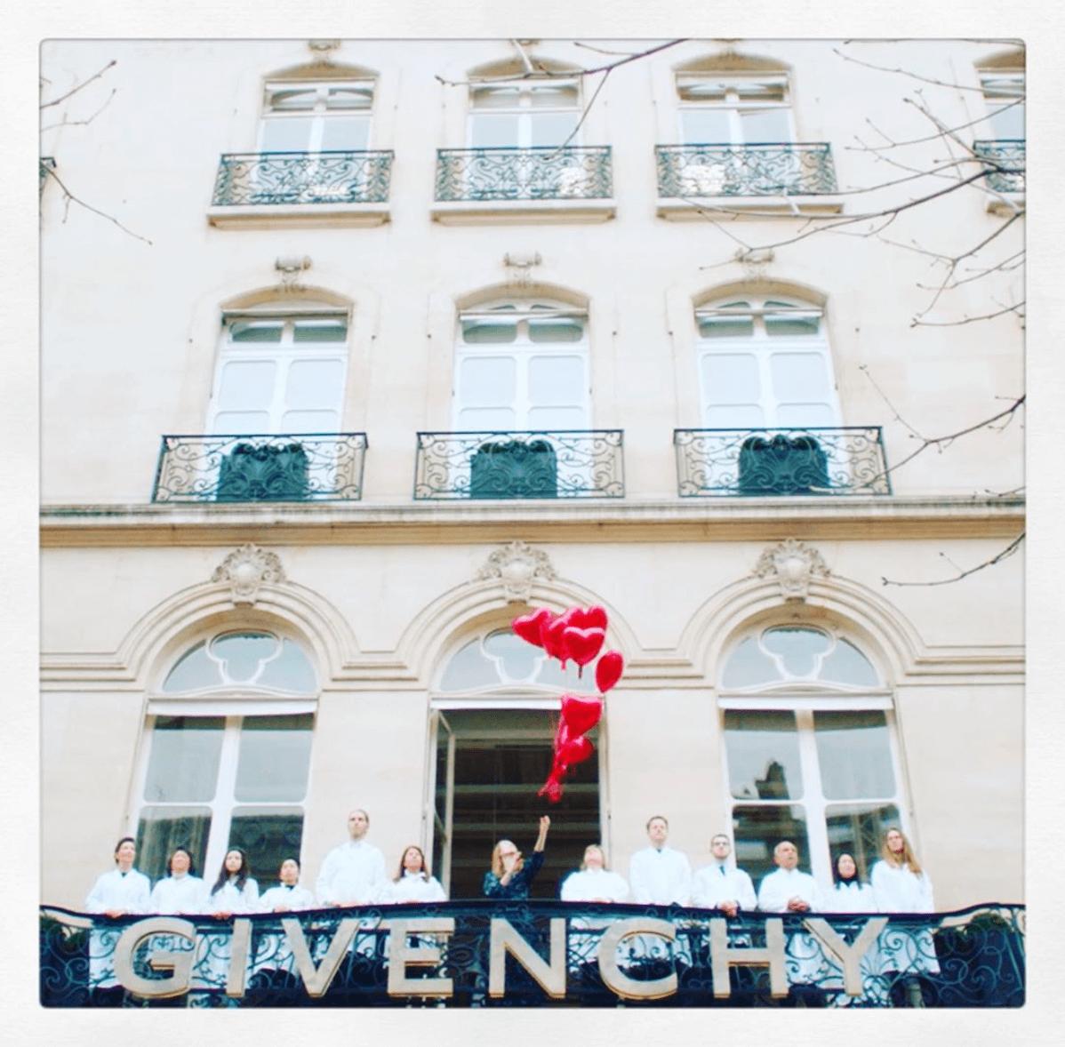 CONNEXION Fin de Collaboration entre Givenchy et Clare Waight Keller