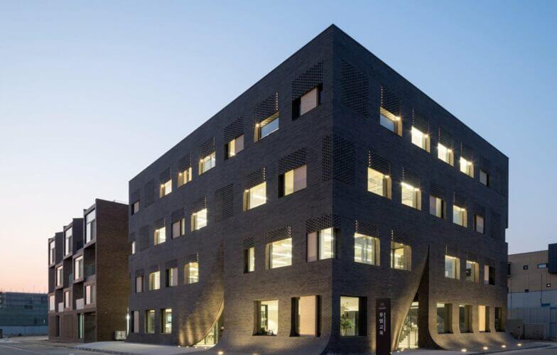 MUM Building Kyung Roh